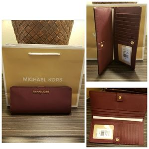 💥Clearance sale 💥New Michael kors wallet